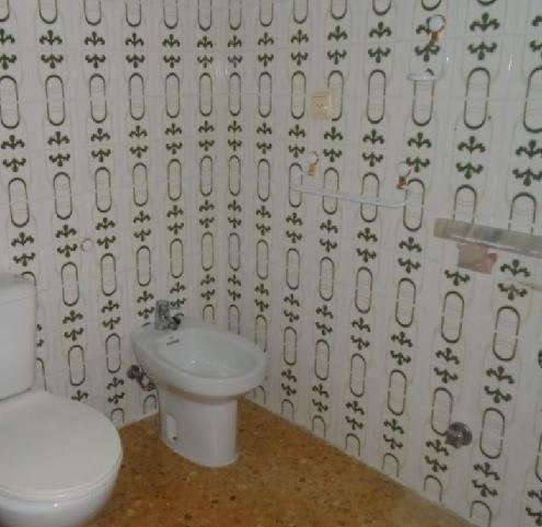Piso en venta en Vila-real, Castellón, Calle Aviador Franco, 77.500 €, 3 habitaciones, 2 baños, 137 m2