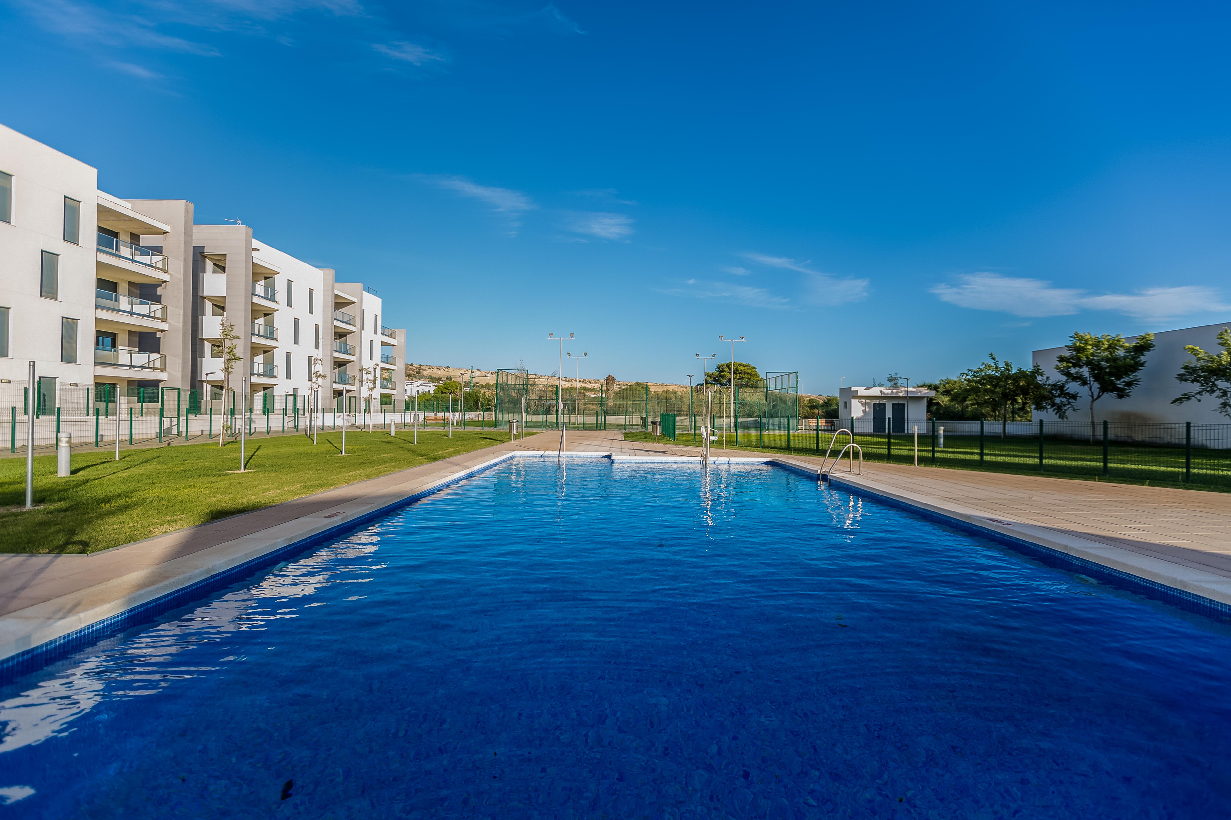 Piso en venta en Piso en El Ejido, Almería, 144.000 €, 2 habitaciones, 1 baño, 81 m2, Garaje