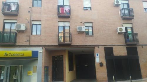 Piso en venta en Madrid, Madrid, Calle Sierra de Gador, 154.000 €, 3 habitaciones, 2 baños, 91 m2