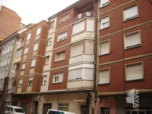 Piso en venta en Flores del Sil, Ponferrada, León, Calle Batalla de Lepanto, 36.000 €, 3 habitaciones, 1 baño, 119 m2