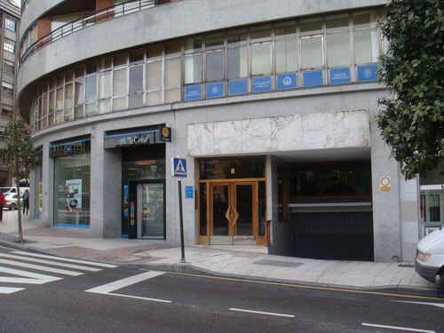Local en venta en Oviedo, Asturias, Calle Pedro Masaveu, 186.100 €, 275 m2