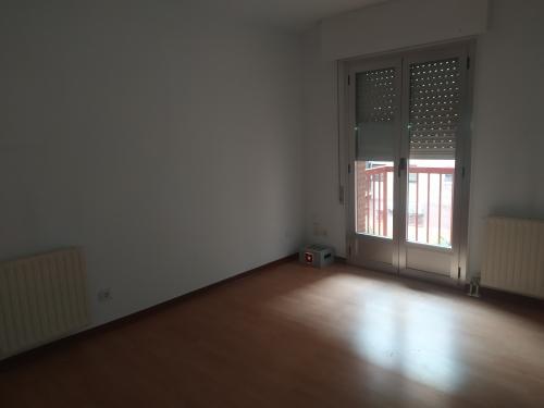 Piso en venta en Carabanchel, Madrid, Madrid, Calle Sallaberry, 235.000 €, 2 habitaciones, 1 baño, 65 m2