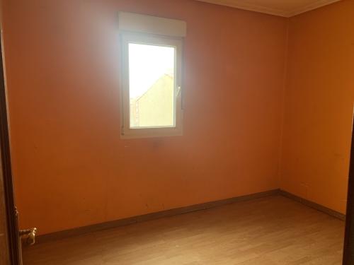Piso en venta en Marqués de Valdecilla, Santander, Cantabria, Paseo General Davila, 77.000 €, 3 habitaciones, 1 baño, 135 m2