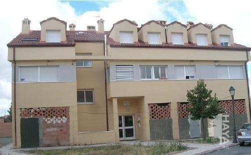 Piso en venta en Torrecaballeros, Segovia, Calle Colonia del Caserio, 90.000 €, 2 habitaciones, 1 baño, 96 m2