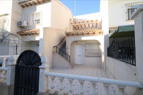 Piso en venta en Orihuela, Alicante, Calle Belice, 68.000 €, 2 habitaciones, 1 baño, 50 m2