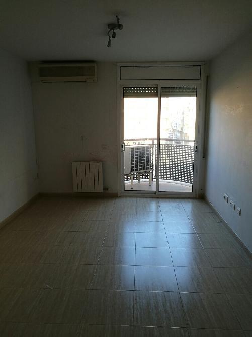 Piso en venta en Olesa de Montserrat, Barcelona, Plaza Estatut, 151.875 €, 3 habitaciones, 2 baños, 89 m2