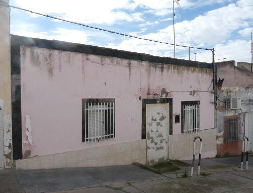 Casa en venta en Badajoz, Badajoz, Calle la Cigueña, 30.197 €, 3 habitaciones, 1 baño, 194 m2
