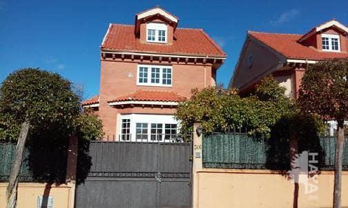Casa en venta en Sariegos, León, Calle Urbanizacion los Llatales, 308.532 €, 4 habitaciones, 1 baño, 292 m2