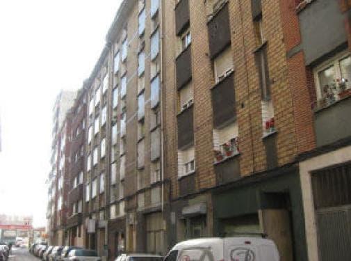 Piso en venta en El Cerilleru, Gijón, Asturias, Calle Nuñez de Balboa, 75.000 €, 3 habitaciones, 1 baño, 106 m2