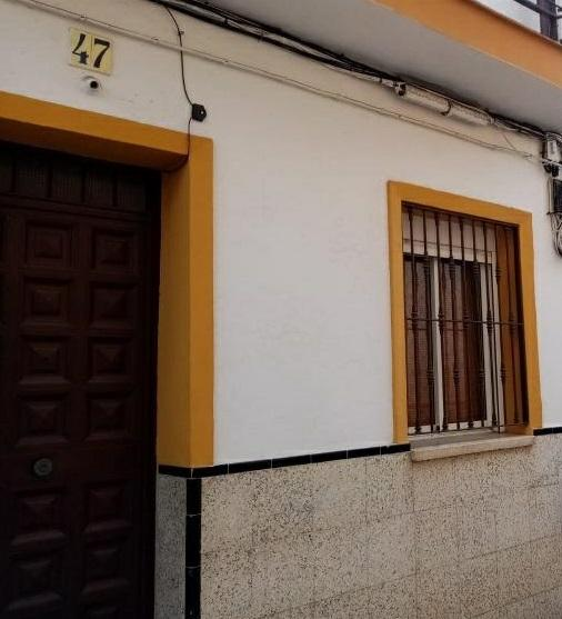 Piso en venta en Distrito Cerro-amate, Sevilla, Sevilla, Calle Guitarra, 49.500 €, 2 habitaciones, 1 baño, 95 m2