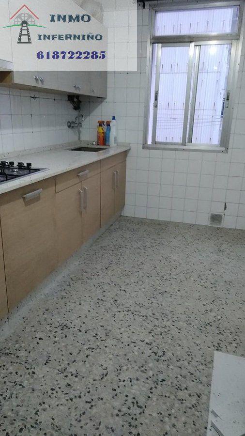 Piso en alquiler en Ferrol, A Coruña, Calle Fontemoura, 280 €, 3 habitaciones, 1 baño, 85 m2
