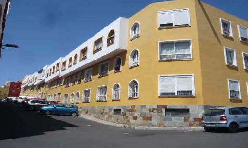 Piso en venta en Suroeste, Santa Cruz de Tenerife, Santa Cruz de Tenerife, Calle Portillo, 95.500 €, 3 habitaciones, 2 baños, 92 m2