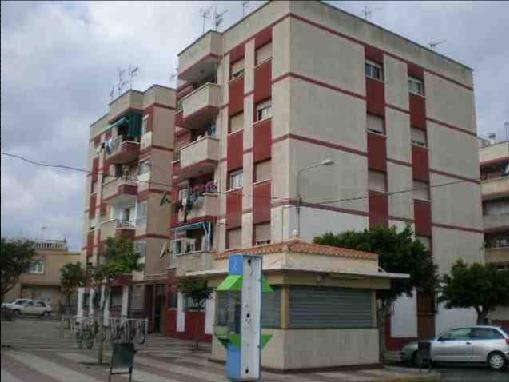 Piso en venta en Los Depósitos, Roquetas de Mar, Almería, Calle Júpiter, 17.497 €, 3 habitaciones, 1 baño, 85 m2