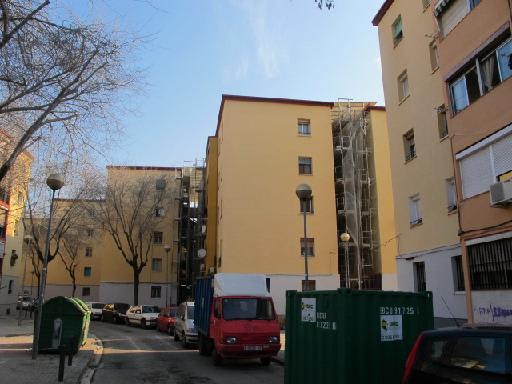Piso en venta en Artigues, Badalona, Barcelona, Calle Badajoz, 54.630 €, 3 habitaciones, 1 baño, 71 m2