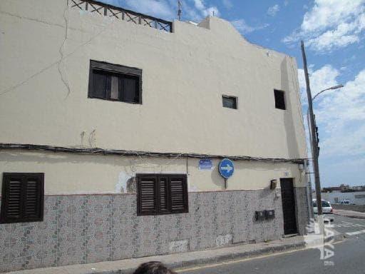 Piso en venta en Tahíche, Arrecife, Las Palmas, Calle Blasco Ibañez, 96.745 €, 3 habitaciones, 2 baños, 138 m2