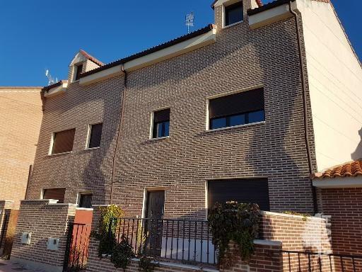 Casa en venta en Cigales, Valladolid, Calle Zapatilla, 264.408 €, 3 habitaciones, 3 baños, 187 m2