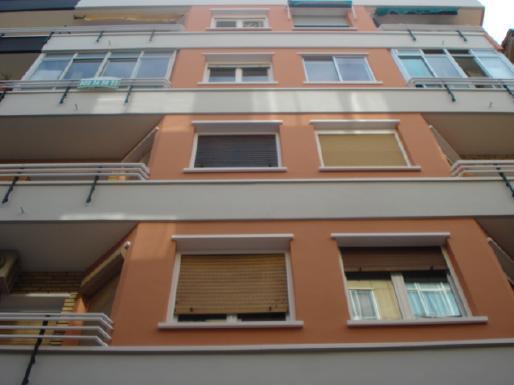 Piso en venta en Delicias, Zaragoza, Zaragoza, Calle Delicias, 72.000 €, 3 habitaciones, 1 baño, 88 m2