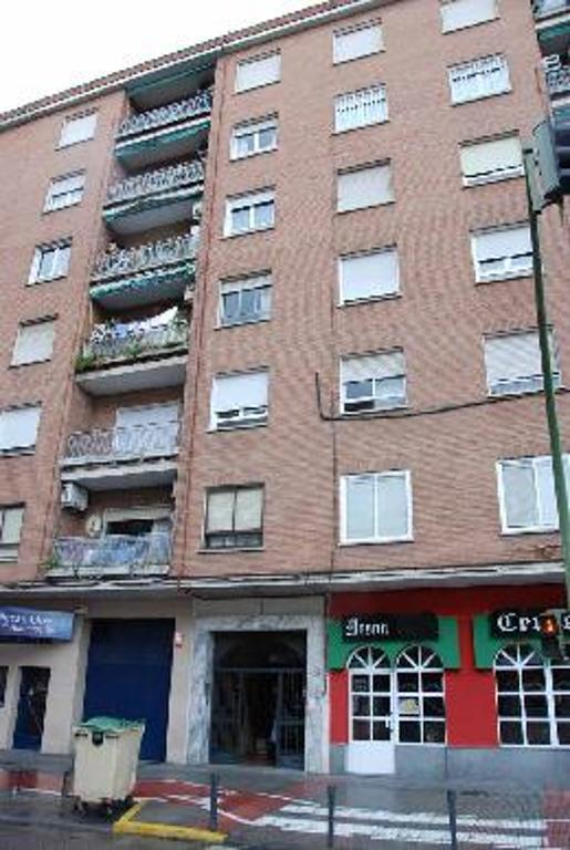 Piso en venta en Talavera de la Reina, Toledo, Calle Francisco Aguirre, 52.000 €, 4 habitaciones, 2 baños, 134 m2