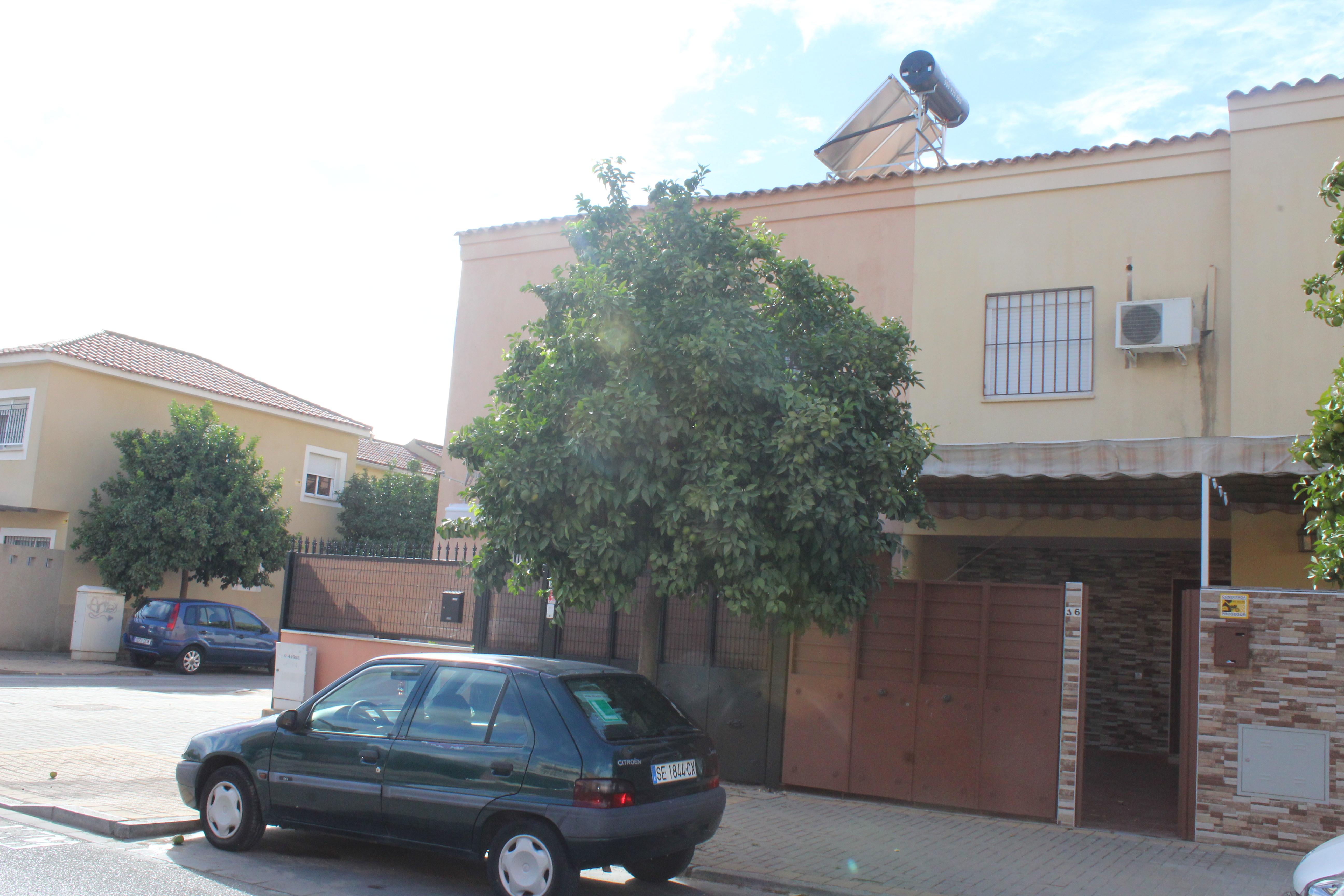 Casa en venta en Distrito Cerro-amate, Sevilla, Sevilla, Calle Cies, 182.680 €, 3 habitaciones, 3 baños, 110 m2