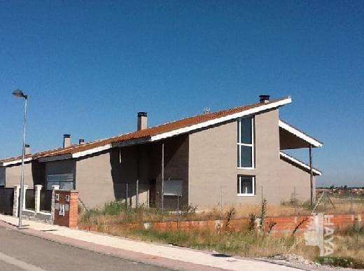 Casa en venta en Aldeamayor de San Martín, Valladolid, Calle Urbanización El Soto, 190.000 €, 4 habitaciones, 3 baños, 174 m2