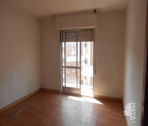 Piso en venta en Flores del Sil, Ponferrada, León, Calle Sitio Numancia, 34.000 €, 3 habitaciones, 1 baño, 92 m2