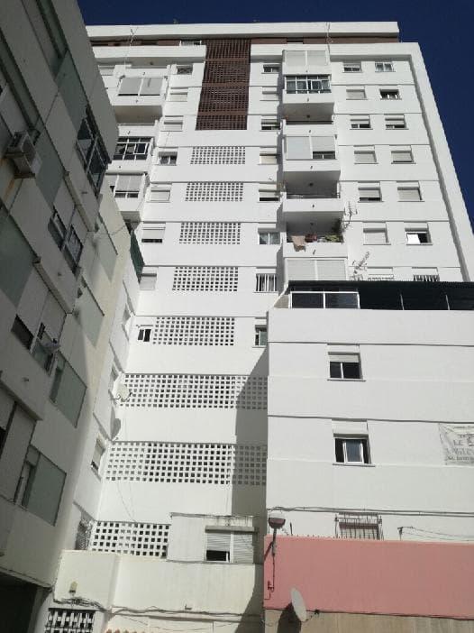 Piso en venta en Algeciras, Cádiz, Calle Federico Garcia Lorca, 23.433 €, 3 habitaciones, 1 baño, 85 m2