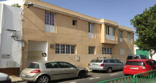 Piso en venta en Arrecife, Las Palmas, Calle Campoamor, 66.850 €, 2 habitaciones, 1 baño, 77 m2