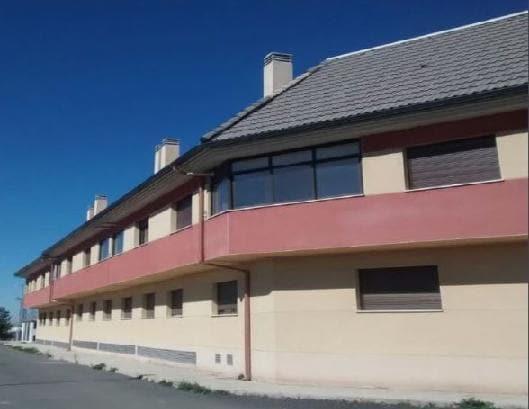 Piso en venta en Pozuelo de Calatrava, Ciudad Real, Calle Sarmiento, 72.001 €, 3 habitaciones, 2 baños, 133 m2