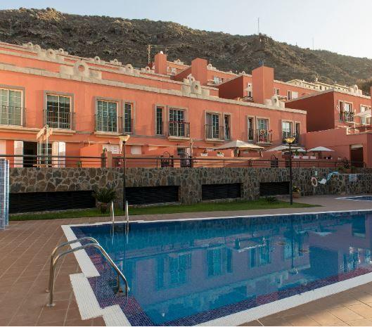 Piso en alquiler en Mogán, Las Palmas, Calle Madrid, 1.260 €, 3 habitaciones, 1 baño, 92 m2