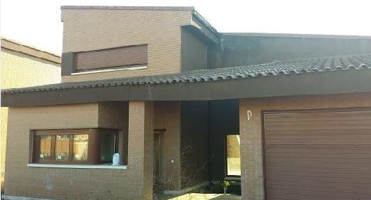 Casa en venta en Aldeamayor de San Martín, Valladolid, Calle Urbanización El Soto, 193.000 €, 4 habitaciones, 3 baños, 174 m2