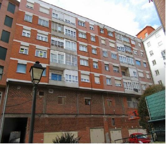 Piso en venta en Favila, Avilés, Asturias, Calle Horanso, 53.900 €, 3 habitaciones, 1 baño, 81 m2