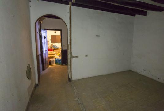 Local en venta en Local en Sant Hipòlit de Voltregà, Barcelona, 10.470 €, 86 m2