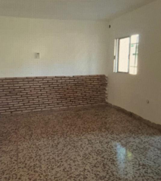 Casa en venta en Ribera del Alberche, Escalona, Toledo, Calle Bratislava, 58.000 €, 3 habitaciones, 1 baño, 73 m2