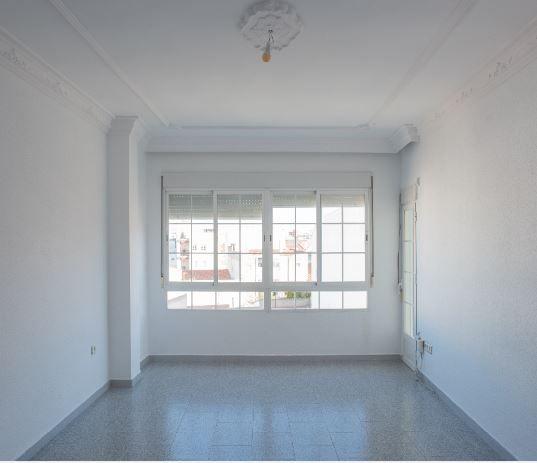 Piso en alquiler en Almendralejo, Badajoz, Calle Villafranca, 305 €, 3 habitaciones, 2 baños, 114 m2