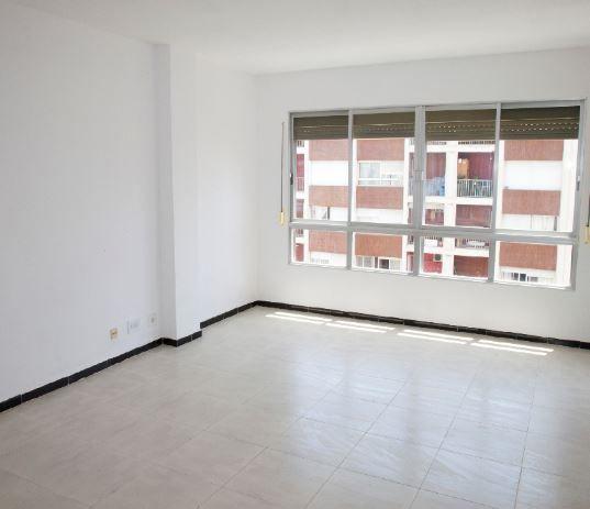 Piso en alquiler en Palma de Mallorca, Baleares, Calle Arago, 840 €, 3 habitaciones, 1 baño, 117 m2