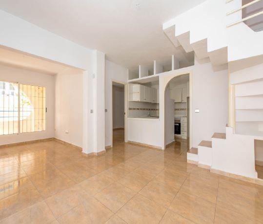 Casa en alquiler en Torrevieja, Alicante, Calle Duna de la Mata, 495 €, 3 habitaciones, 2 baños, 68 m2