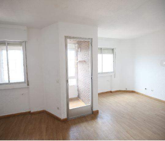 Piso en alquiler en Ávila, Ávila, Calle Bilbao, 560 €, 4 habitaciones, 130 m2