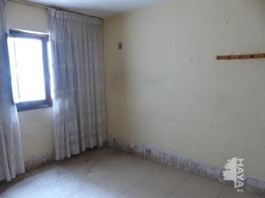 Piso en venta en Piso en Castellón de la Plana/castelló de la Plana, Castellón, 28.000 €, 1 habitación, 1 baño, 63 m2