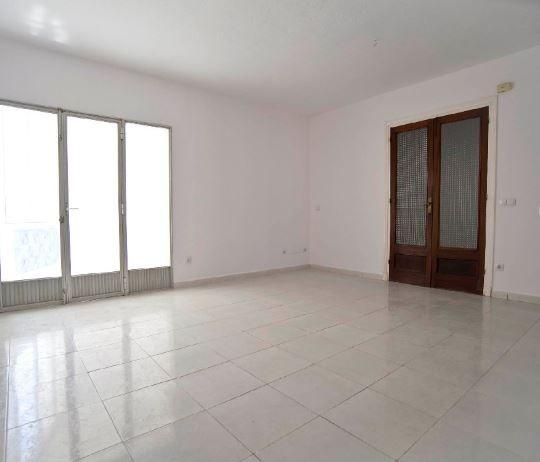 Piso en alquiler en Ciutadella de Menorca, Baleares, Calle Miguel Eugeni Caimaris, 470 €, 3 habitaciones, 2 baños, 126 m2
