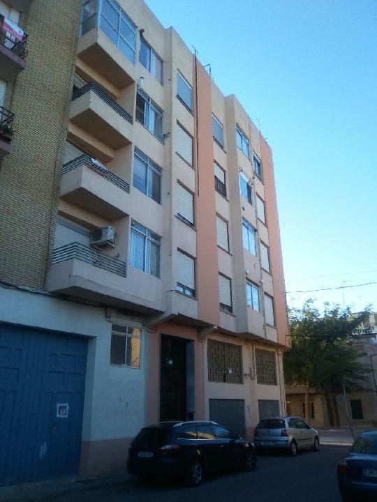 Piso en venta en Piso en Nules, Castellón, 45.500 €, 4 habitaciones, 2 baños, 131 m2