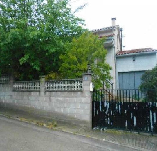 Casa en venta en Can Fàbregues, Santa Coloma de Farners, Girona, Calle Castell, 189.000 €, 1 habitación, 1 baño, 173 m2