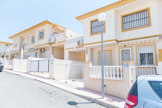 Casa en venta en Orihuela, Alicante, Urbanización Teruel-numancia, 69.000 €, 2 habitaciones, 1 baño, 51 m2