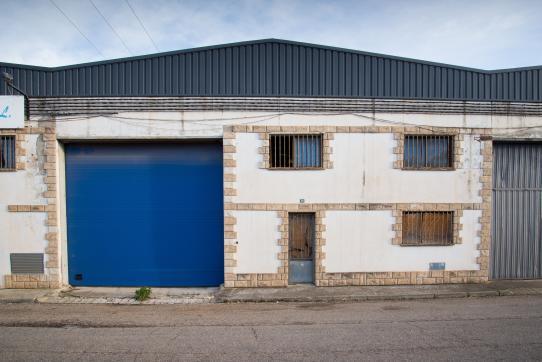 Industrial en venta en Cadrete, Zaragoza, Calle Madrid, 141.500 €, 766 m2