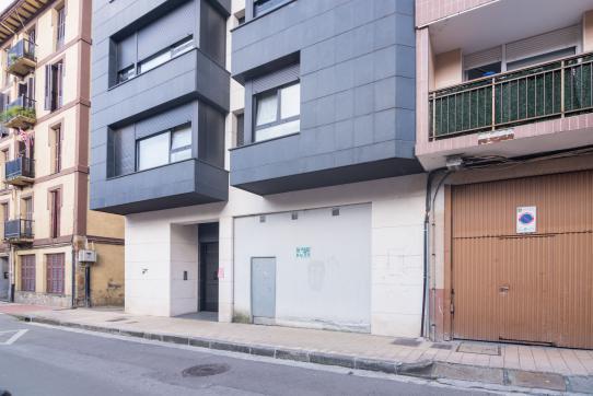 Local en venta en Durango, Vizcaya, Calle Tabira, 85.000 €, 74 m2