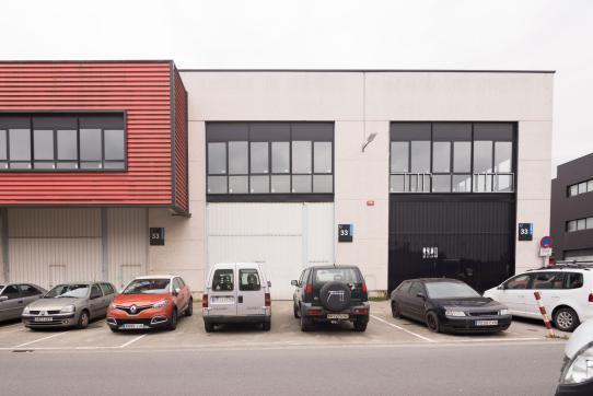 Industrial en venta en Gernika-lumo, Vizcaya, Calle Bekoibarra, 190.000 €, 327 m2
