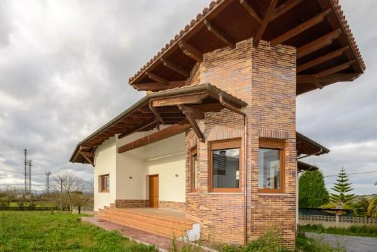 Casa en venta en El Berrón, Siero, Asturias, Calle la Barreda, 268.000 €, 3 habitaciones, 2 baños, 400 m2