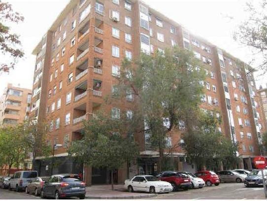Piso en venta en Zaragoza, Zaragoza, Calle Agusto Bebel, 135.000 €, 4 habitaciones, 2 baños, 103 m2