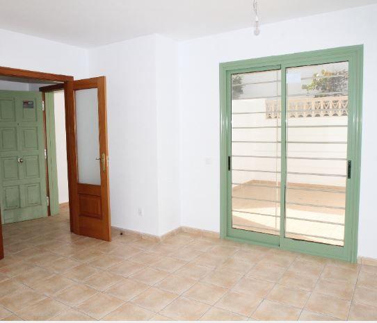 Casa en alquiler en Antigua, Las Palmas, Calle Alcalde Marcial Sanchez Velazquez, 630 €, 3 habitaciones, 2 baños, 112 m2