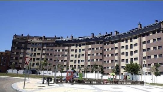 Piso en venta en La Flecha, Arroyo de la Encomienda, Valladolid, Calle Gregorio Marañon, 97.940 €, 3 habitaciones, 2 baños, 72 m2