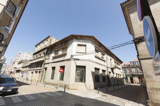 Local en venta en Pazos de Reis, Tui, Pontevedra, Calle Augusto Gonzalez Besada Entrada Rosa Bahamonde, 108.000 €, 115 m2